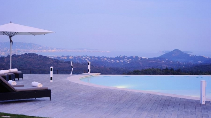 Incredible Infinity Pools - La Longere d'Esterel