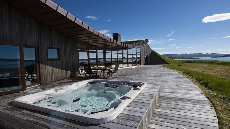 Lakeview II Villa - Iceland - Edge Retreats