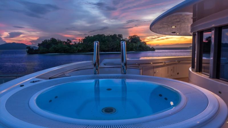 TV-yacht-charter