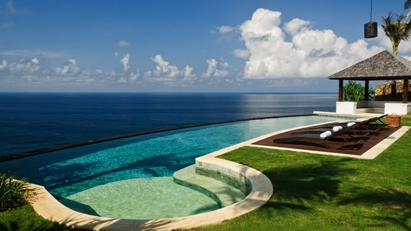 Incredible Infinity Pools Villa Pawana